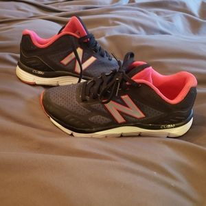 New Balance Pink/Black Running Shoes 6.5